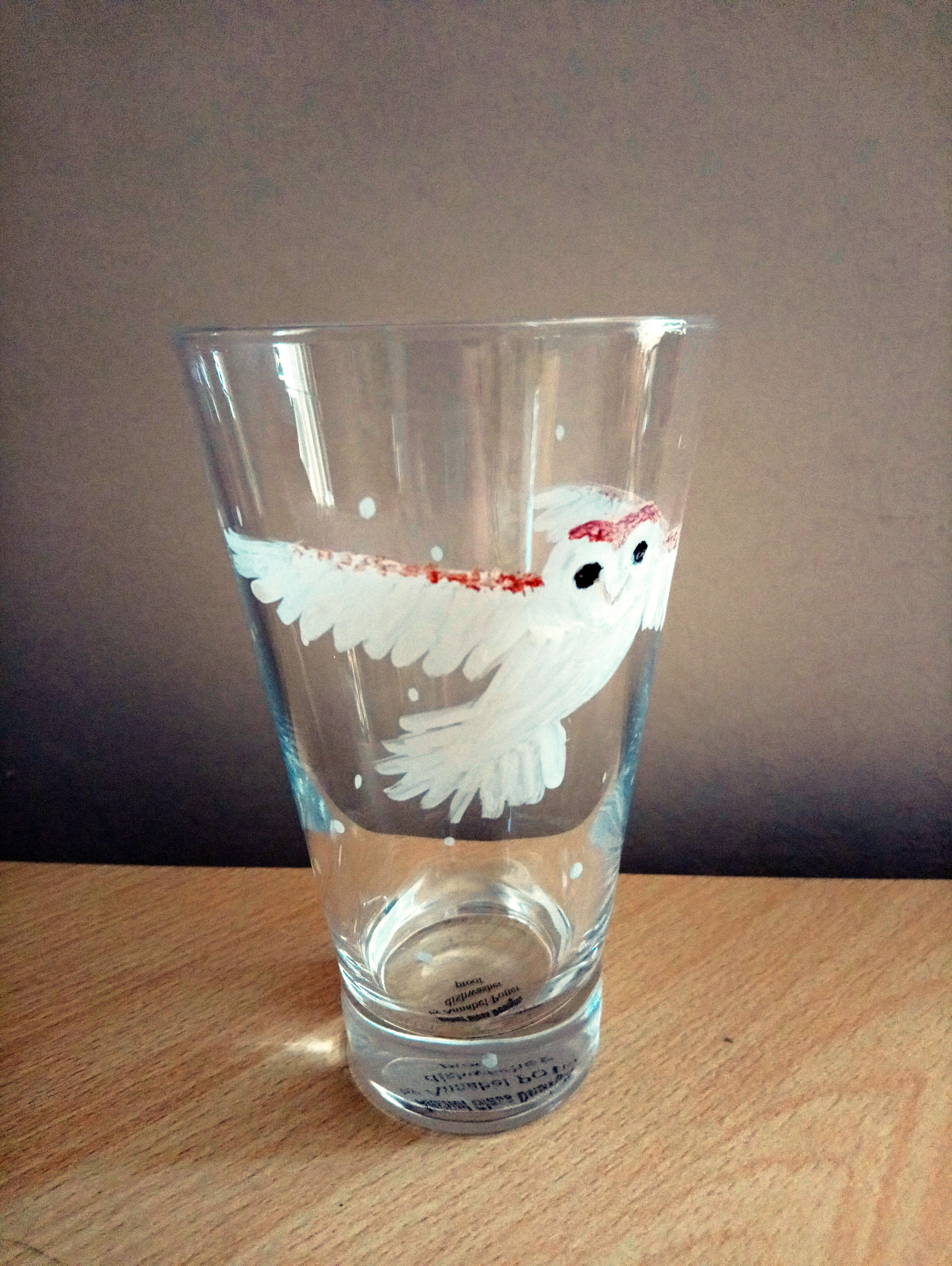 Barn owl glass vase from the front