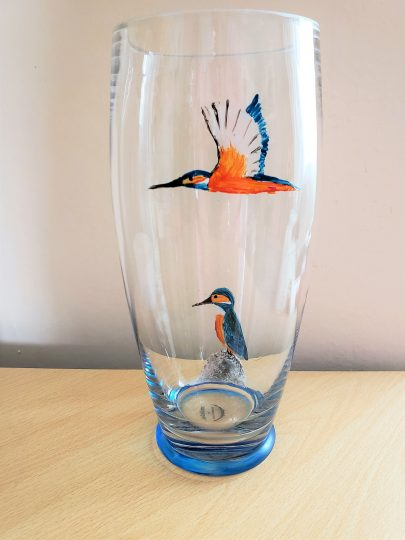Large glass vase with two Kingfishers